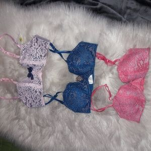 Set of 3 B Tempted Lace Bras 32B New Pink Blue
